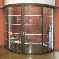стеклянные радиусные двери-купе для переговорной