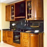 маленький кухонный гарнитур с гнутыми фадами