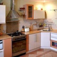 комбинированная угловая кухня с газовой колонкой
