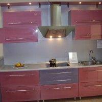 розовый кухонный гарнитур для маленькой кухни в хрущевке