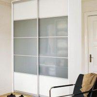 комбинированный белый шкаф-купе с матовым стеклом