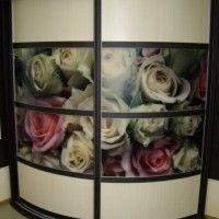 выпуклый радиусный шкаф-купе с фотопечатью розы