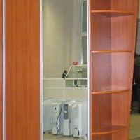 простой комбинированный шкаф-купе лдсп зеркало радиусные полки