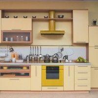 прямая бежевая кухня со шкафом