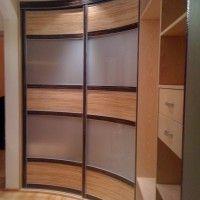 вогнутый двухдверный радиусный шкаф-купе комбинированный
