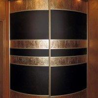 выпуклый радиусный шкаф купе черный с золотом