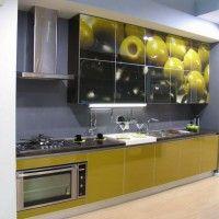 кухонный гарнитур с фотопечатью на фасадах оливки