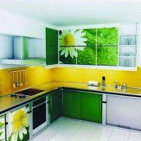 кухонный гарнитур с фотопечатью на фасадах ромашки