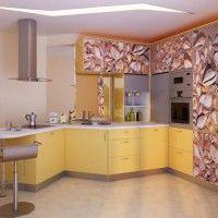 кухонный гарнитур желтого цвета с фотопечатью ракушки