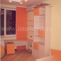 стол в детскую с надстройкой и шкафом