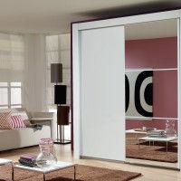 зеркальный шкаф-купе для увеличения пространства