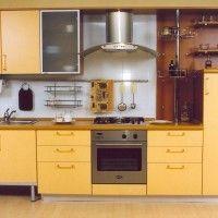 кухонный гарнитур с фасадами эмаль