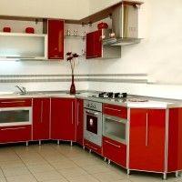 угловая кухня красный пластик в алюминиевой рамке