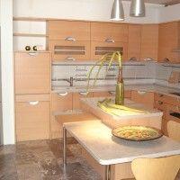 угловой кухонный гарнитур с островом