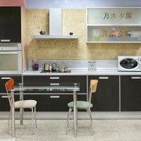 маленькая комбинированная кухня с иероглифами