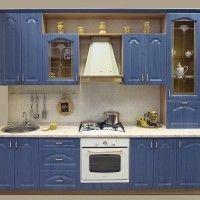 синий кухонный гарнитур в классическом стиле