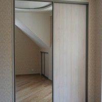 комбинированный встроенный двухдверный шкаф купе с зеркалом