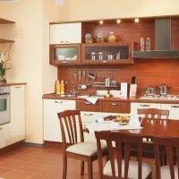 комбинированная кухня с пленочными фасадами и стеновой панелью