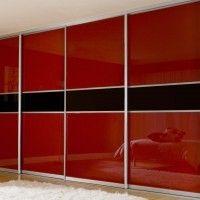 встроенный глянцевый черно-красный шкаф купе 4 двери