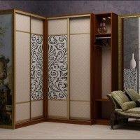 угловой комбинированный шкаф-купе с рисунком в классическом стиле