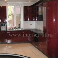 современная кухня в красном цвете